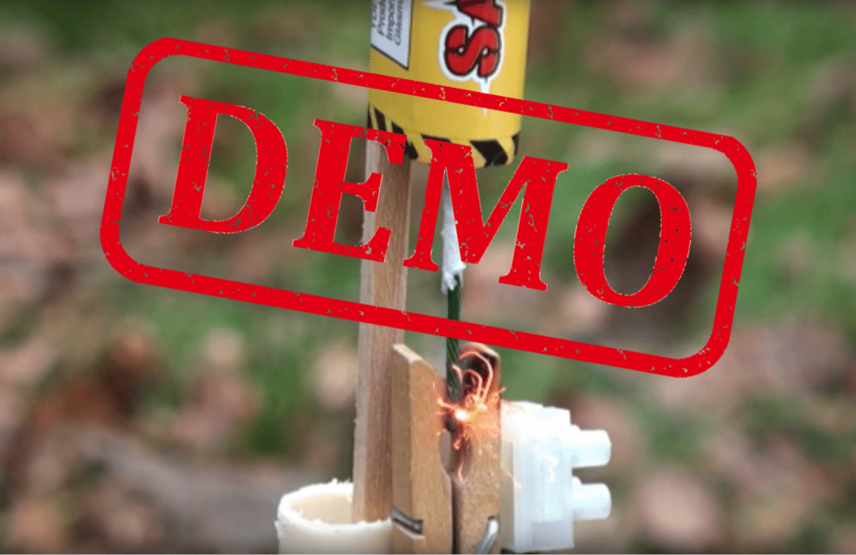 Demonstration af elektrisk affyringsmekanisme til fyrværkeri